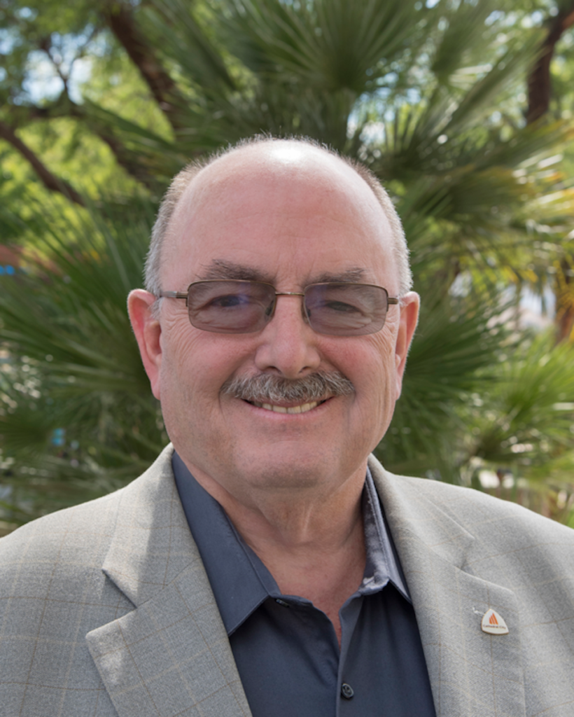 Cathedral City Mayor Greg Pettis